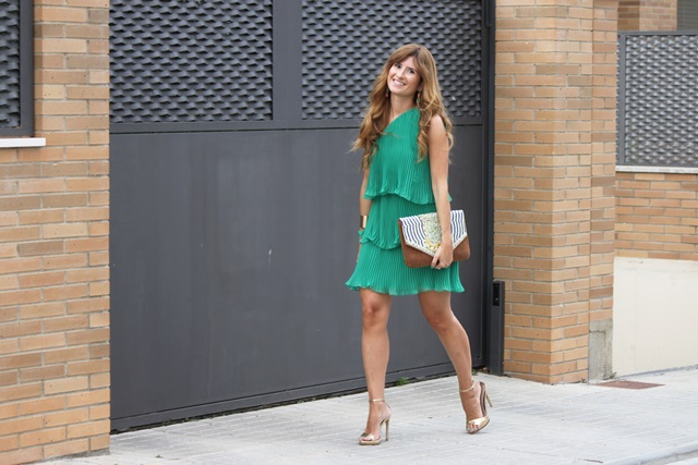 vestido_verde_volantes-look_de_boda