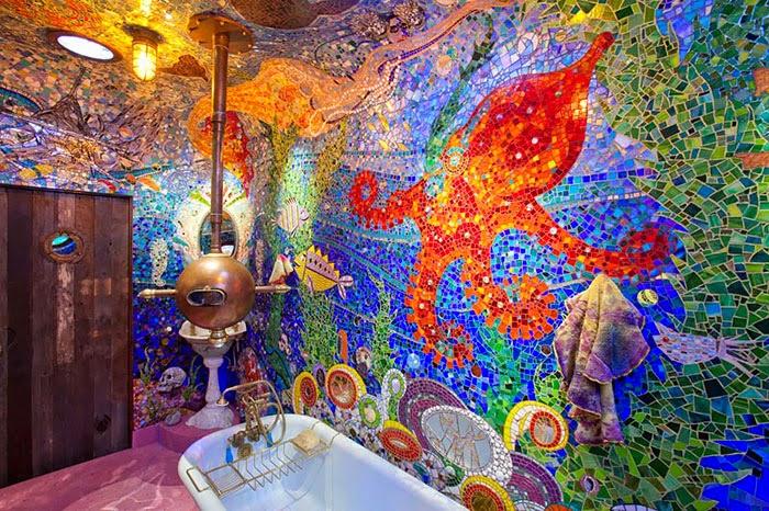 Desain kamar mandi penuh warna