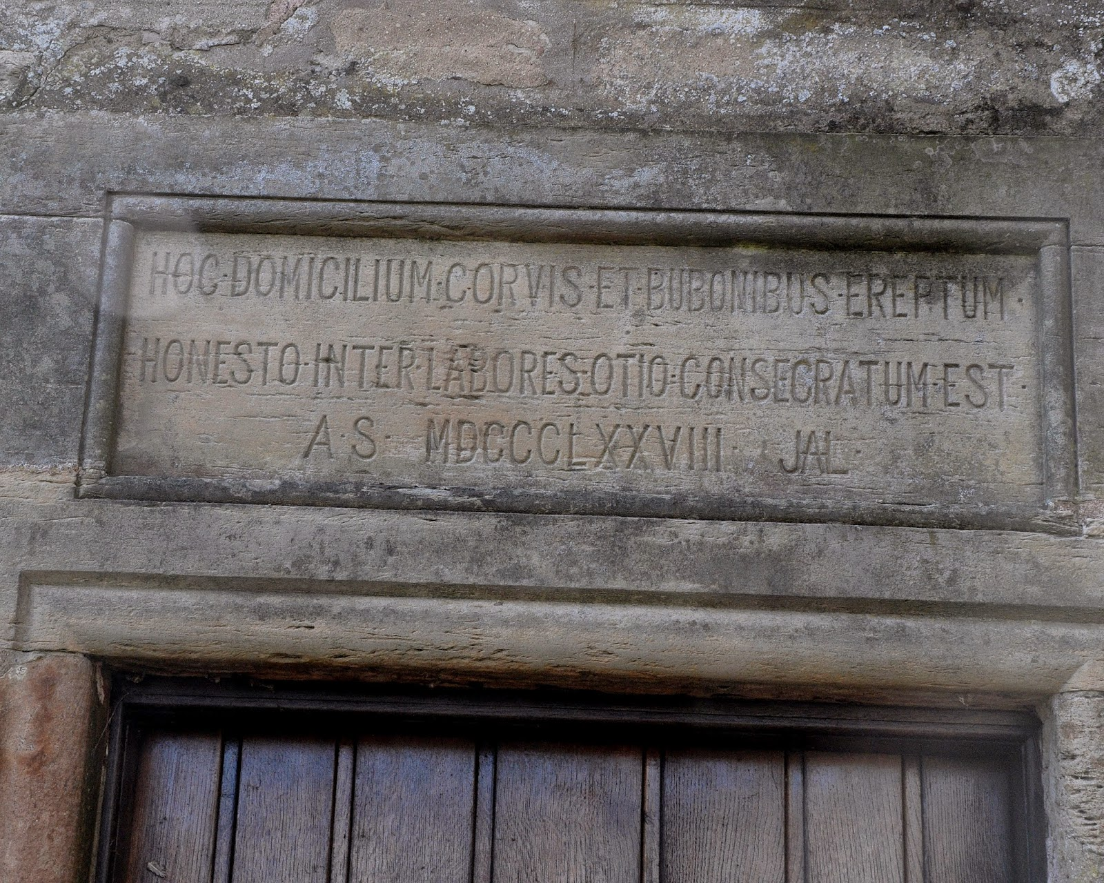 Latin inscription at Kellie Castle