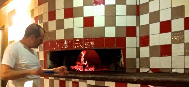Pizza in Rome near the Vatican
