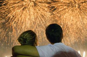 acara tahun baru dengan pasangan