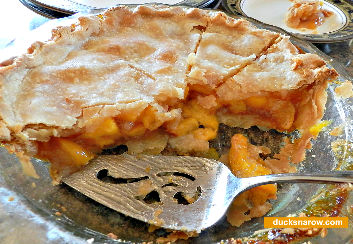 Delicious homemade peach pie with frozen peaches #pie #baking #desserts Ducks 'n a Row