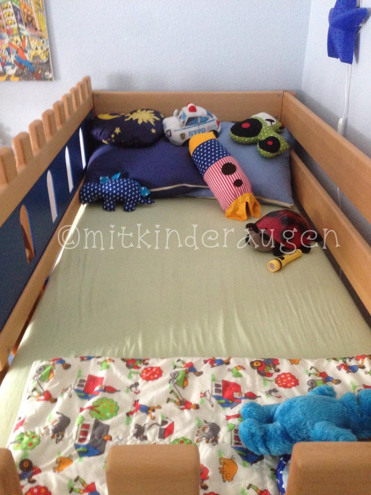die mini chefin ist da und ein neues kinderzimmer f r den mini chef das ritterbett mit. Black Bedroom Furniture Sets. Home Design Ideas
