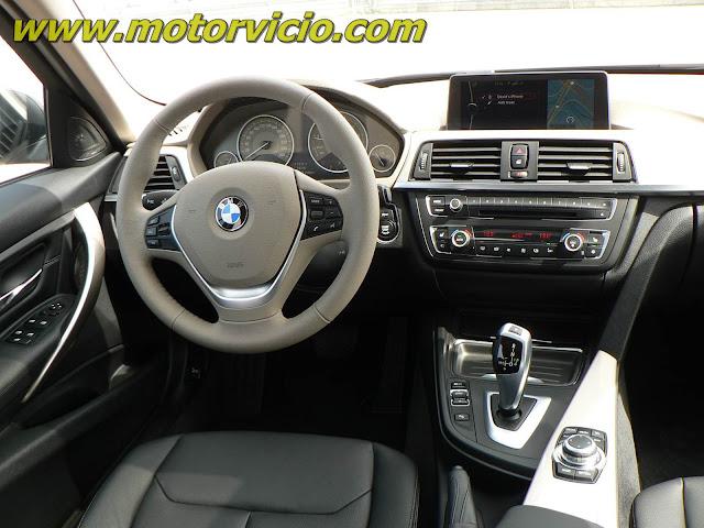 BMW 320i 2.0 Modern Turbo 2013 - interior - painel