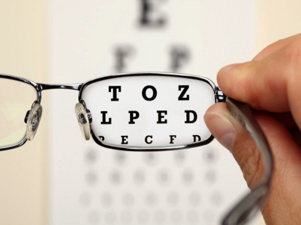 http://www.naturalbodytips.com/2014/09/cure-and-increase-eyesight-naturally.html
