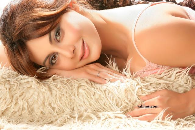 Hot Minissha Lamba unseen photos
