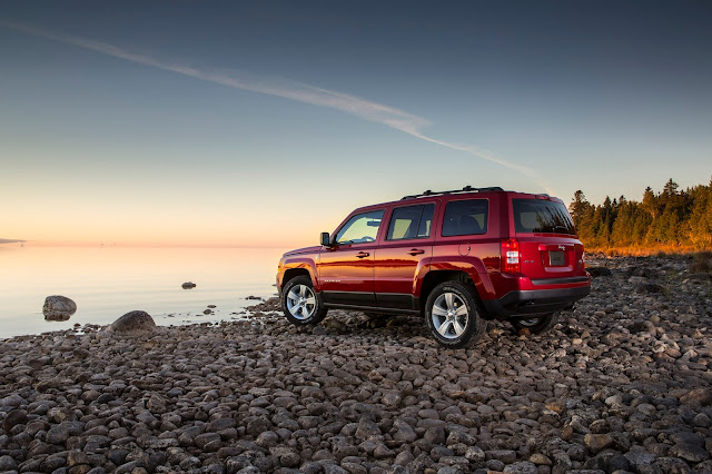 Rear 3/4 view of 2015 Jeep Patriot Latitude 4X4