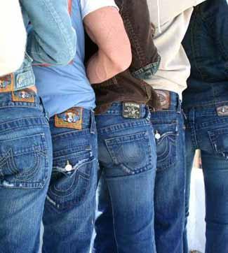 http://1.bp.blogspot.com/-7Cb8Le36N5M/TWmHSrb_bII/AAAAAAAAAAM/aItq5bYYEfc/s760/true_religion_jeans.jpg
