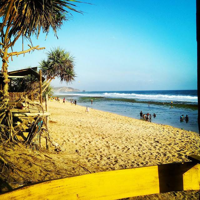 foto keren pemandangan pantai sepanjang