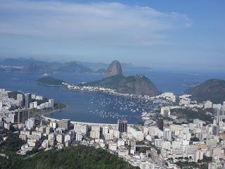 Enseada de Botafogo e Pão de Açucar vistos do Mirante de St. Marta
