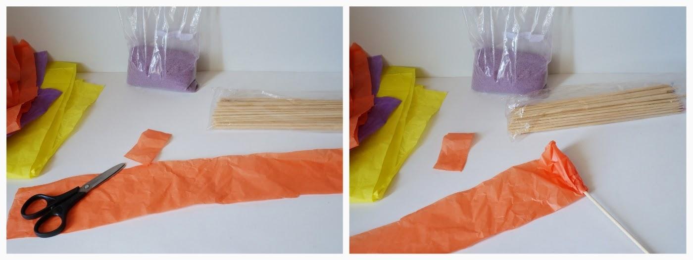 Como fazer flores de papel: etapada de cortar o papel de seda e enrolar no espeto de madeira