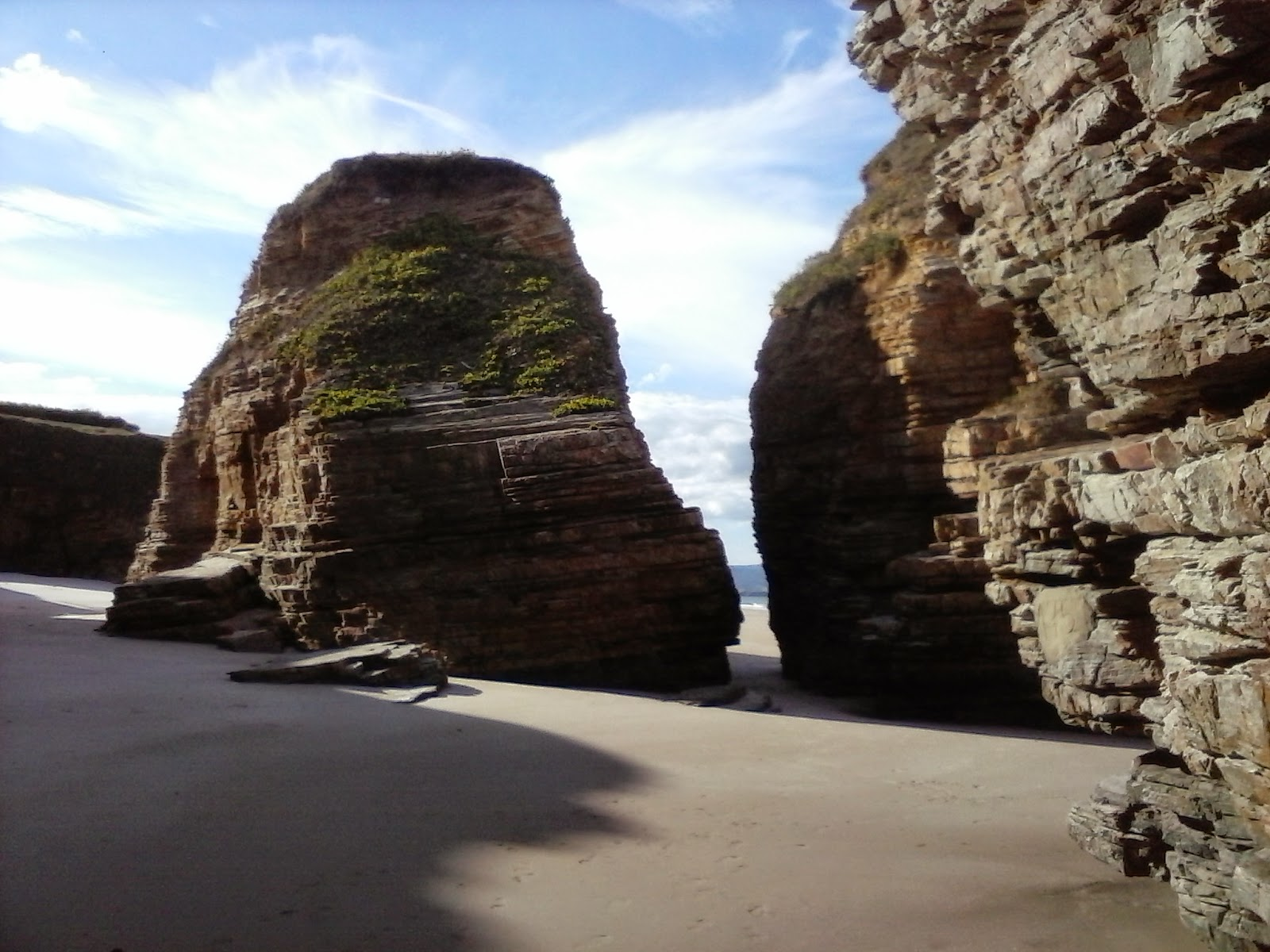 playa de las catedrales abierta