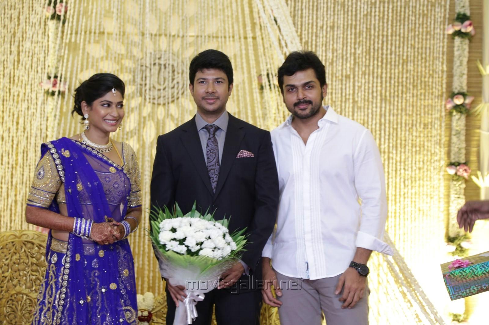 Tamil Actor Actress Photoshoot Stillsunseen Family Photoswedding Photos Actress Vijayalakshmi Wedding Reception Photos