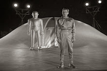 Alleged briefing to Pres. Reagan: Original 'Day the Earth Stood Still' was UFO acclimation?