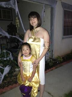 http://adventuresindiy1759.blogspot.com/2012/10/cleopatra-halloween-costume.html