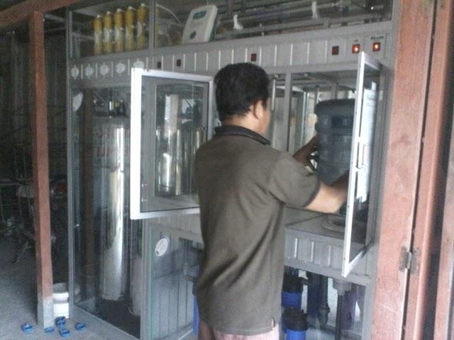 Kemarau Panjang Penjualan Air Isi Ulang Meningkat