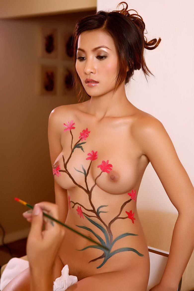 girl naked pines