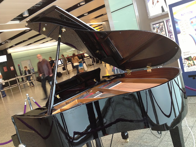 Piano inside the Terminal 3 building