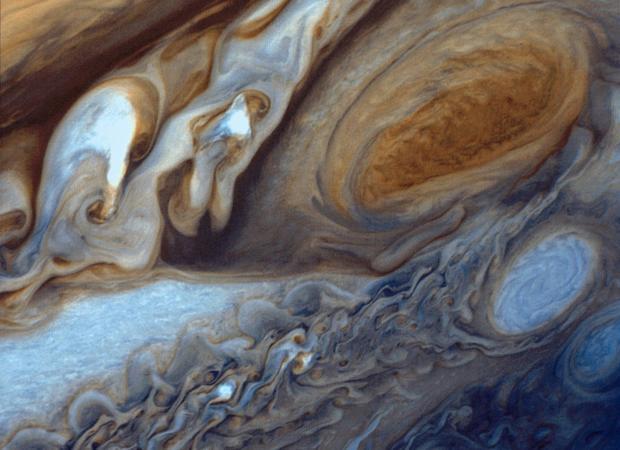 La Gran Mancha Roja, un «huracán» que lleva al menos un siglo y medio girando en el planeta Júpiter
