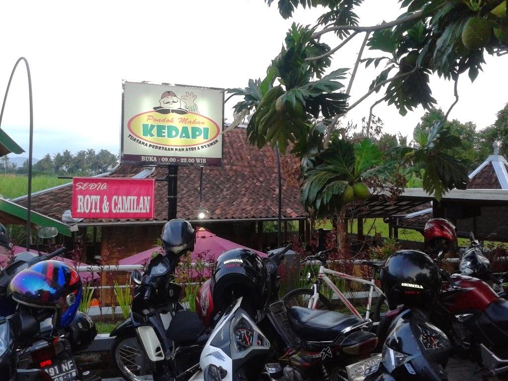 Pondok Makan Kedapi, Jalan Imogiri Barat, Bantul