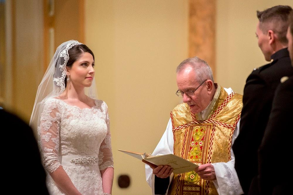 http://1.bp.blogspot.com/-7EY0ac-3EFQ/VNKMzb_K-pI/AAAAAAAALMQ/3Ylkk8QHMhg/s1600/DC-Wedding-011.jpg