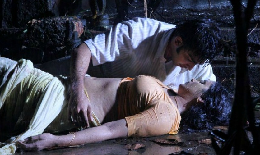 Swetha Menon Sex Scene from Rathinirvedam Movie