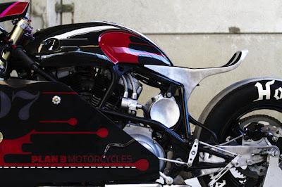 Streemline motorcycle by Plan B Motorcycles