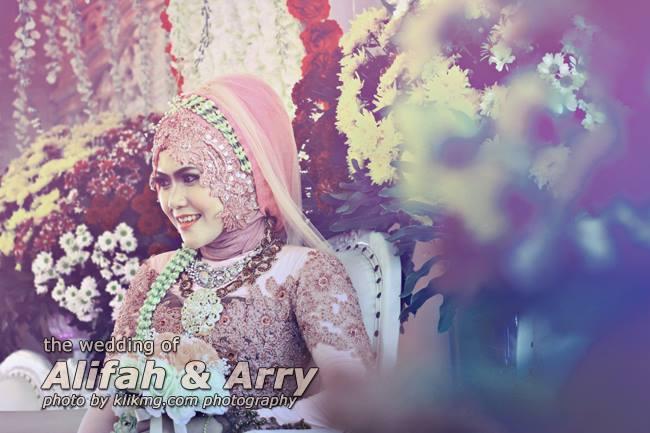 Bermain Tone Warna pada hasil foto Wedding Alifah Arry - Foto oleh : Klikmg Fotografer Purwokerto