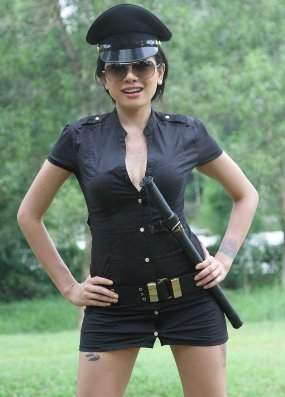 Nikita Mirzani Ngangkang Abege Indonesia Holidays Oo