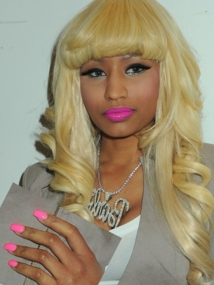 nicki minaj fake teeth. Why I love fake nails.