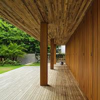 Rumah Tropis Gaya Etnik 5