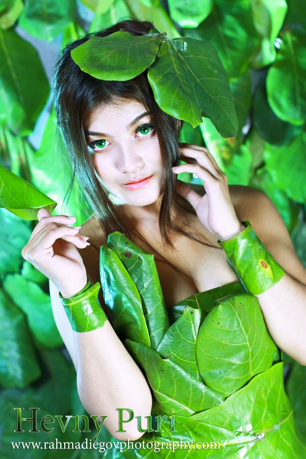 foto model konsep daun hijau 7
