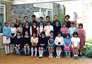 In the same file as before I have found a picture of a Gilberdyke school . (gilb school class )