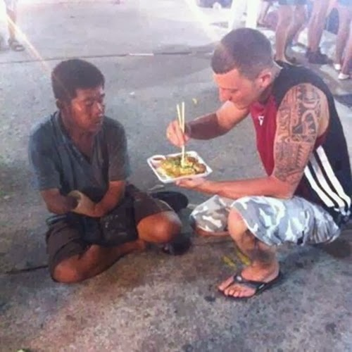 When this man not only bought food for a homeless guy missing an arm, but let him enjoy Japanese food that requires chopsticks by feeding him.