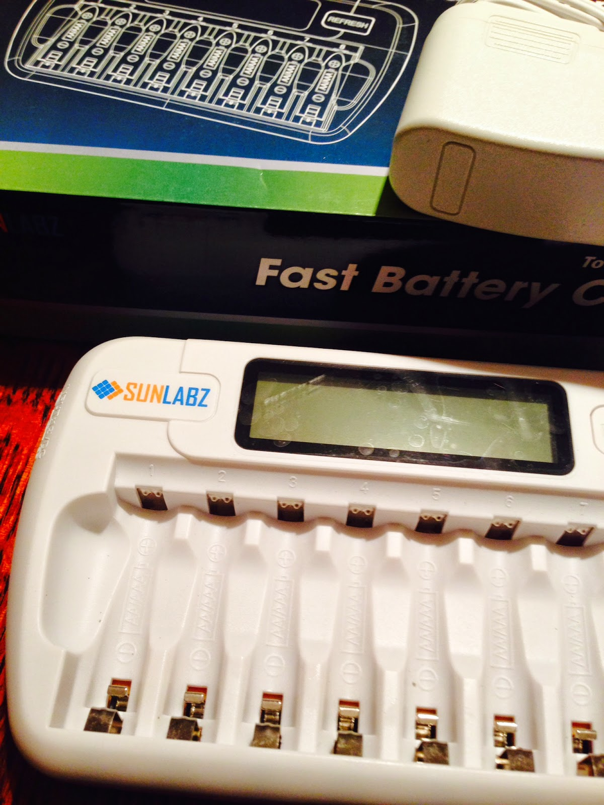 8-slot-green-reusable-charger