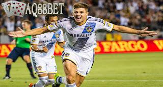 Liputan Bola - Mantan kapten Liverpool, Steven Gerrard melakoni pertandingan pertama bersama klub barunya, Los Angeles Galaxy dengan hasil gemilang.