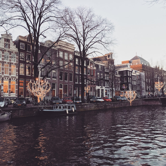 Chandeliers over canals for Amsterdam Light Festival 2015