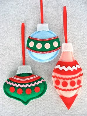 Free Holiday Ornament Patterns to Download | Cats and Dogs, Paws