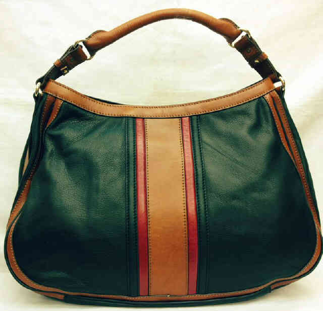 Let's Save The Day Dengan Tas Burberry