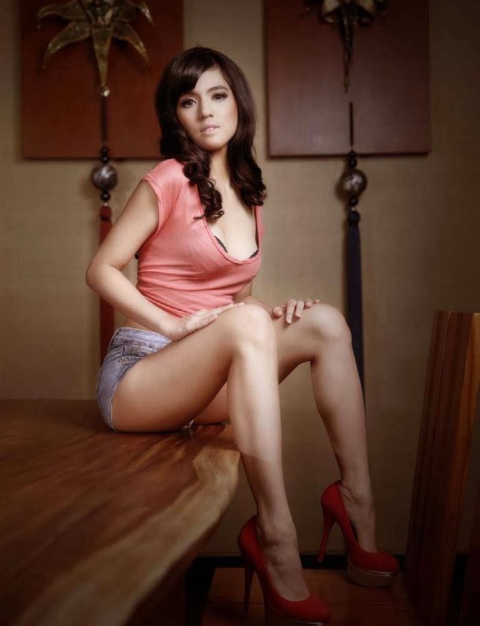 foto ngentot memek  bugil mesum Foto Seksi Putri Una Male Magazine