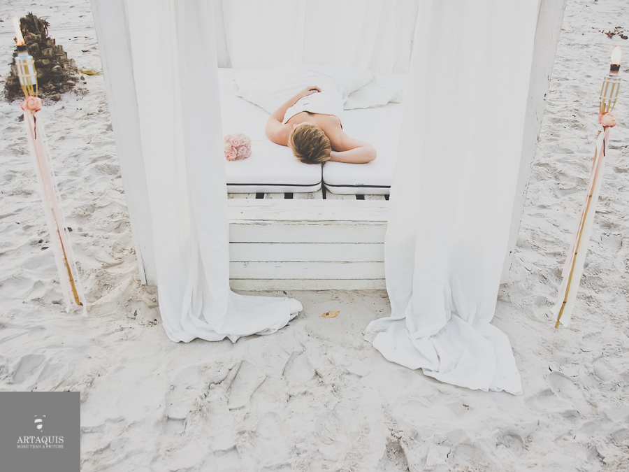 styled shoot at a german beach in cologne | away for a second | away for a second