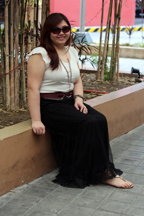 Forever 21 Plus Black Lace Maxi, Plus Size Blogger Manila Philippines, Asian Plus Size Blogger, Banana Republic White Top, Multi-Chain Necklace, Fendi Sunglasses, Plus Size Maxi Skirt