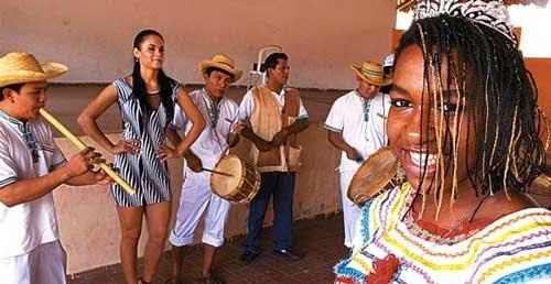 El corso intercultural autóctono impulsará el Carnaval cruceño