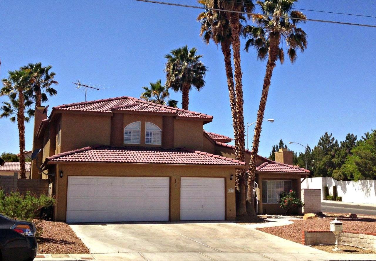 home-for-sale-las-vegas-3-car-garage
