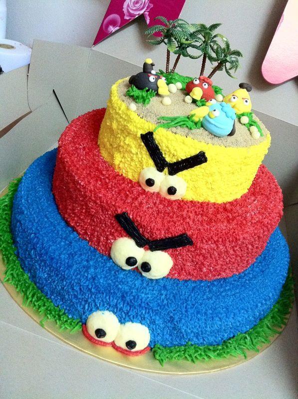 Cakez N Bakez Deli 3 Tier Angry Bird Cakes