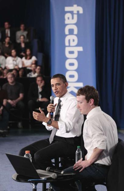600ap zuckerbergobama9 062358 [UPDATE] Foto   Foto Kunjungan Barrack Obama Ke Kantor Pusat Facebook