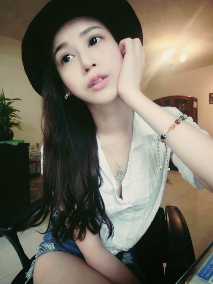 Vicky Chen, Mama Muda Seksi Yang Buat Heboh Media Sosial  Berita