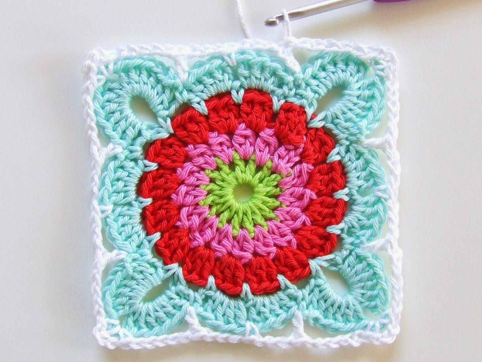 Квадрат с цветком для вязания пледа