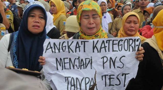 Diingatkan, Honorer K2 Jangan Terbuai Janji Pemerintah