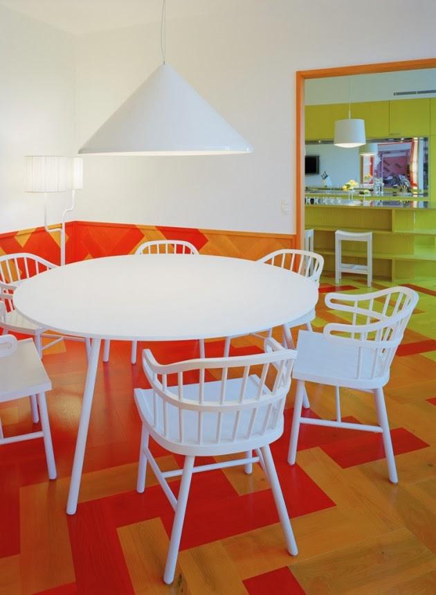 Lantai Rumah Dengan Warna Orange